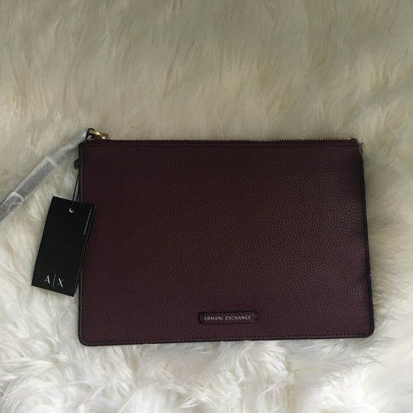 Armani Exchange Clutch 1e6f6cab175ce